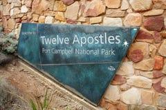 Wejście znak punkt obserwacyjny dla Dwanaście apostołów w Australia Obraz Stock