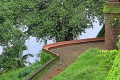 Wejściowa ścieżka Reis Magos fort w Goa Zdjęcie Royalty Free