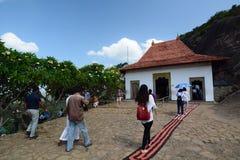 Wejściowa brama jamy świątynia Dambulla Sri Lanka obraz royalty free