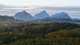 Wejściowy widok Vang Vieng, Laos fotografia royalty free