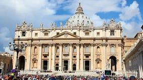 Wekelijks algemeen publiek in Vatikaan stock footage