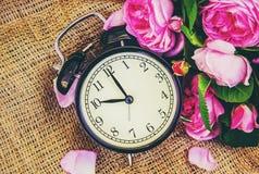 Wekker 10 uren Bloemen Royalty-vrije Stock Foto's