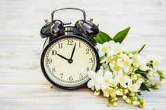 Wekker 10 uren Bloemen Stock Foto's
