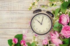 Wekker 10 uren Bloemen Royalty-vrije Stock Foto