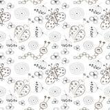 wektor bezszwowy wzoru Śliczny czarny i biały tło z biedronkami, motylem, gąsienicami i kwiatami ręki rysującymi, Obraz Stock