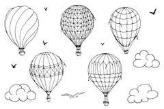Wektor odizolowywaj?cy szybko si? zwi?ksza? na bia?ym tle Dużo paskowali lotniczych balony lata w chmurniejącym niebie Wzory chmu royalty ilustracja