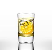 Wektor woda w szkle z pomarańcze i lodem Fotografia Stock