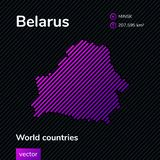 Wektorowa abstrakcjonistyczna mapa Belorus z fiołkiem paskował teksturę i paskował ciemnego tło royalty ilustracja