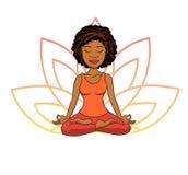 Wektorowa doodle ilustracja śliczna młoda afrykańska dziewczyna medytuje w lotos pozie z kwiatów płatkami behind Zdjęcie Stock