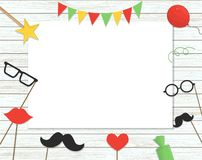 Wektorowa ilustracja fotografii budka wsparcia na kiju, balony, confetti, tera?niejszo??, cukierki na pod?awym drewnianym tle royalty ilustracja