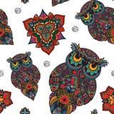 Wektorowa ilustracja sowa Ptak ilustrujący w plemiennym Sowa z kwiatami na lekkim tle Kształtna i ornamentacyjna sowa Zdjęcia Stock