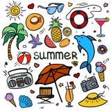 Wektorowa kolorowa szkicowa kreskowej sztuki Doodle kreskówka ustawiająca przedmioty i symbole dla wakacji letnich royalty ilustracja
