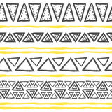 Wektorowa ręka rysujący plemienny wzór z trójbokami Ilustracji