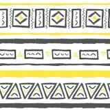 Wektorowa ręka rysujący plemienny wzór z trójbokami Royalty Ilustracja