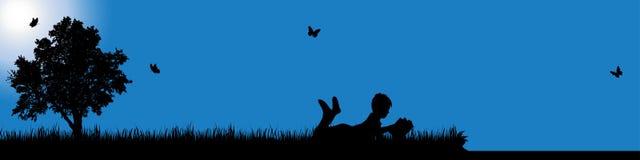 Wektorowa sylwetka chłopiec w naturze przy słonecznym dniem obrazy royalty free