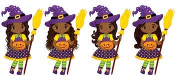 Wektorowe Śliczne Małe amerykanin afrykańskiego pochodzenia czarownicy z Broomsticks i baniami ilustracji