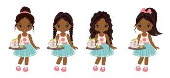 Wektorowe Śliczne Małe amerykanin afrykańskiego pochodzenia dziewczyny z tacami, Herbacianymi filiżankami i babeczkami, ilustracji