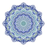Wektorowego abstrakcjonistycznego błękitnego koloru kwiecisty mandala na białym tle ilustracja wektor