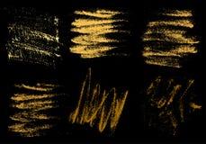 Wektorowej złocistej węgiel drzewny ręki rysunkowy abstrakt na czarnym tle s ilustracja wektor