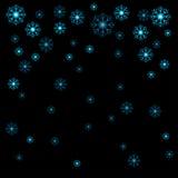 Wektorowi ilustracyjni Bożenarodzeniowi błękitni płatki śniegu na czarnym backgroun ilustracji