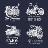 Wektorowi motocykle reklamuje plakaty ustawiających Ręki kreślić ilustracje dla MC przylepiają etykietkę etc Szczegółowi rowerów  royalty ilustracja
