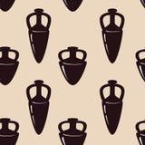 Wektorowy bezszwowy wzór z antykwarskim ceramics Sylwetki amphorae, miotacze i puchary, Zdjęcia Royalty Free