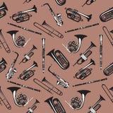 Wektorowy bezszwowy wzór z wiatrowymi instrumentami muzycznymi ilustracja wektor