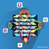 Wektorowy biznesmena brainstorming z biznesowymi ikonami Obrazy Royalty Free