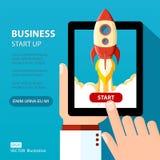 Wektorowy biznesowy zaczyna up ilustrację Astronautycznej rakiety wodowanie Zdjęcie Royalty Free