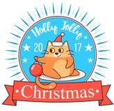 Wektorowy Bożenarodzeniowy kartka z pozdrowieniami w odznaka kształcie Gruby kot bawić się z xmas zabawką Jaskrawi szczęśliwi kol Fotografia Royalty Free