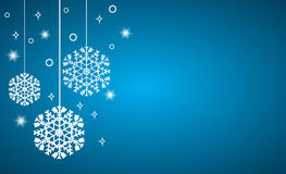 Wektorowy Bożenarodzeniowy tło, wiszący płatki śniegu na błękicie ilustracji