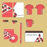 Wektorowy korporacyjnej tożsamości projekt Czerwony i brown geometryczny trójbok kształtuje ostrosłup Biznesowa dokumentacja Obrazy Stock