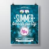 Wektorowy lato plaży przyjęcia ulotki projekt z typograficznego elementson trójboka błękitnym tłem royalty ilustracja