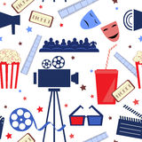 Wektorowy płaski bezszwowy wzór z kinowymi atrybutami Fotografia Stock