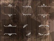 Wektorowy Ustawiający ręki Rysować Kwieciste ramy Odizolowywać na Ciemnym Drewnianym tle, Kredowi rysunki ilustracji