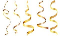 Wektorowy ustawiający złota tasiemkowa serpentyna na przejrzystym tle royalty ilustracja