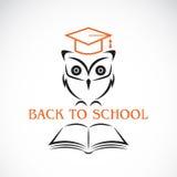 Wektorowy wizerunek sowa z szkoły wyższa książką i kapeluszem Fotografia Royalty Free