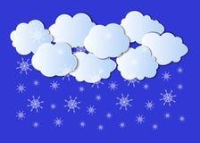 Wektoru papieru sztuki Rżnięty styl, Śnieżne chmury na niebieskiego nieba tle ilustracji