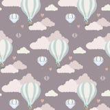 Wektoru wzór z balonem, chmurami i zwierzętami, Fotografia Stock