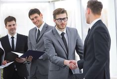 Welcome and handshake of business partners on the briefing Royalty Free Stock Photography