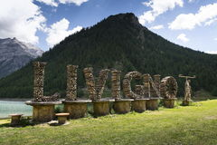Free Welcome Sign With Bicycle Straw Sculpture In Livigno, Italy Royalty Free Stock Image - 76531636