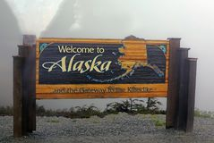 Welcome to Alaska and the Gateway to the Klondike sign Stock Photo