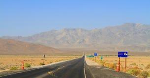California: Entering California - Highway from Nevada to California Stock Photography
