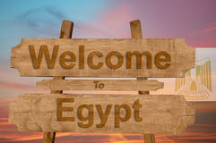 Welcome to Egypt sing on wood background with blending national flag Stock Photo