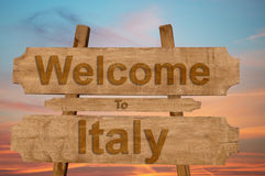 Welcome to Italy sing on wood background Stock Photography
