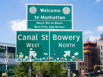 Welcome to Manhattan sign next to Chinatown in New York Royalty Free Stock Image