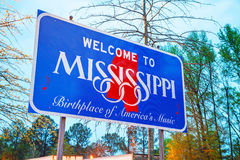 Welcome to Mississippi sign. At the state border stock photos