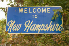 Free Welcome To New Hampshire State Road Sign Stock Photo - 52266390
