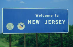 Welcome to New Jersey Sign. Against the trees Royalty Free Stock Images