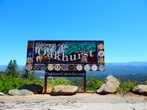 Welcome To Oakhurst City Sign stock photos